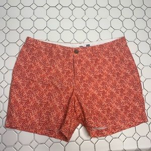 Old Navy shorts red and white size 10